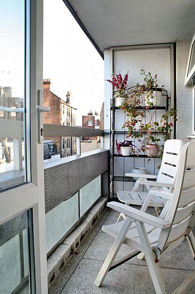 Dekor balkon inspiratie for The balcony apartments